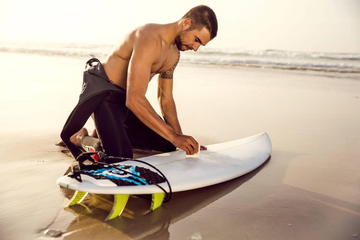 Como poner cera en una tabla de surf