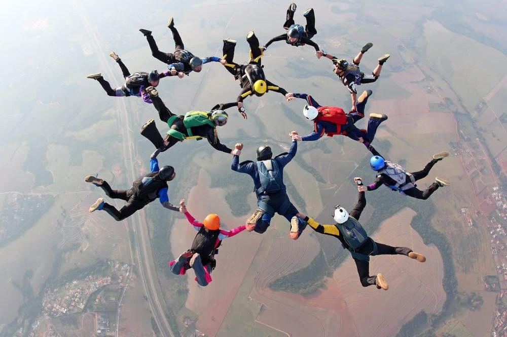 ¿El paracaidismo es un deporte?