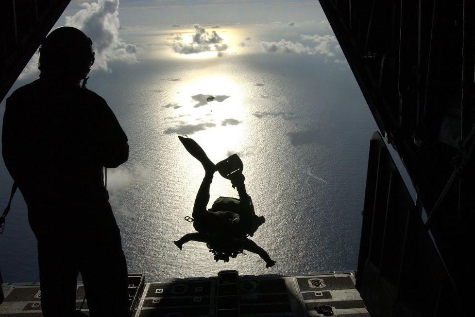 lanzarse en paracaidas